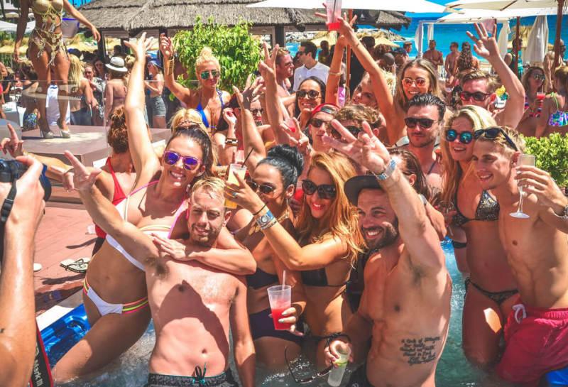 pool party despedidas de solteros