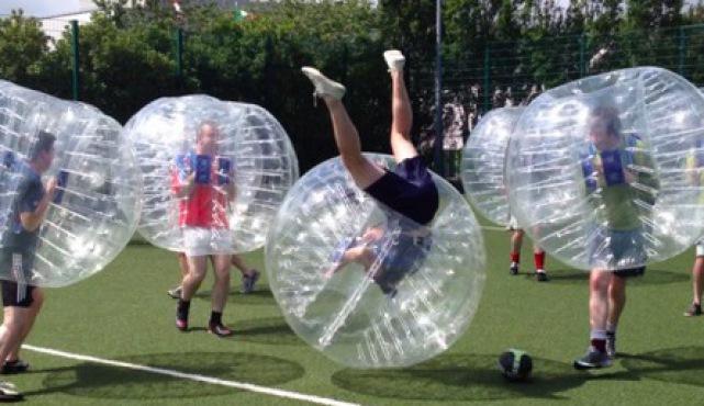 ofertas despedidas de solteros en madrid futbol burbuja