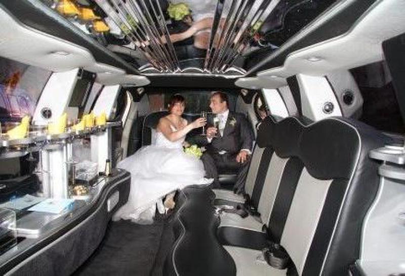 Alquilar limusina Hummer para boda madrid